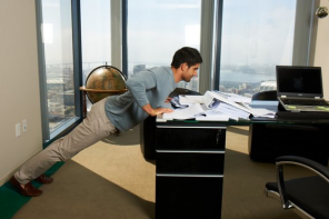 Can you lose weight at work, sitting whole day? Yes you can